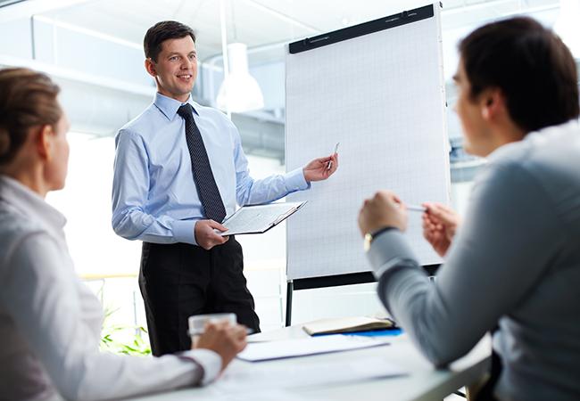 Что предлагает центр профессиональной переподготовки?