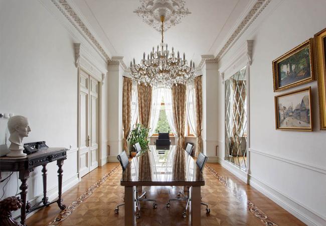 Как оформить дизайн квартиры в классическом стиле?