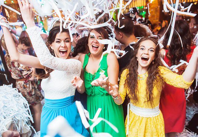 Шоу-программы для подростков в Екатеринбурге. Как устроить выпускной для старшеклассников?