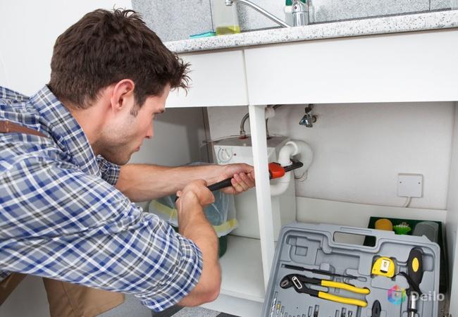 Профессиональные услуги электрика и сантехника, ремонтника