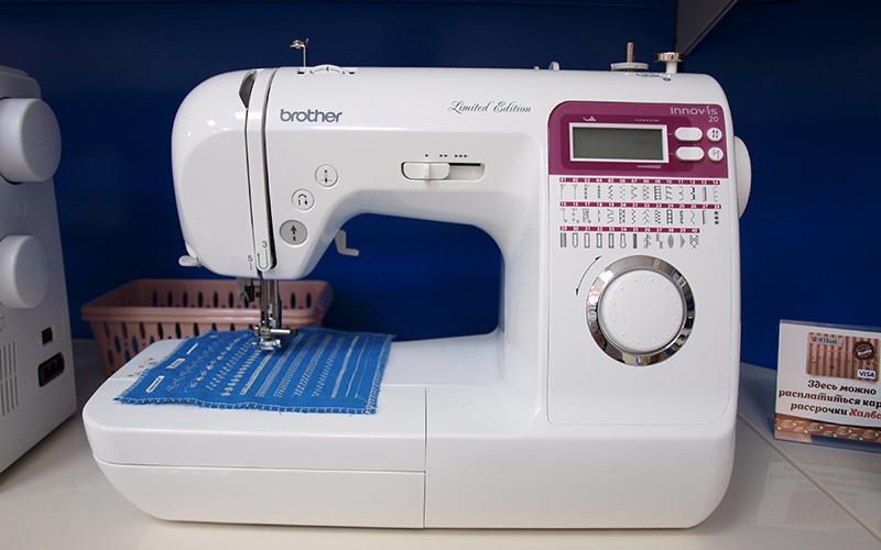 Качественная швейная машинка от