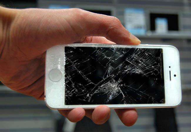 Замена и ремонт дисплея на телефоне в Киеве. Почему оригинальный экран и какие у него преимущества?