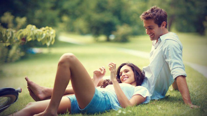 Общение между девушкой и парнем