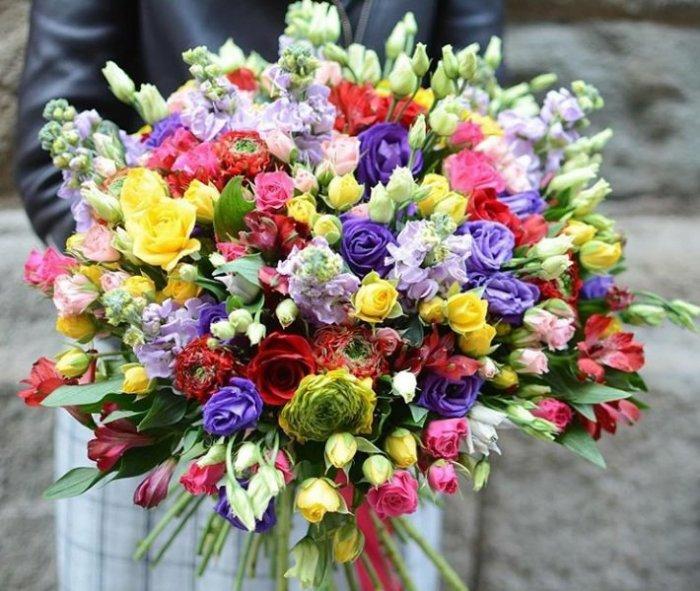 Закажите свежие цветы с бесплатной доставкой по Алматы