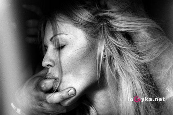 domashnee-zhenskiy-orgazm-ot-ee-prikosnoveniy-k-klitoru-smotret-onlayn-foto-lesbiyanki