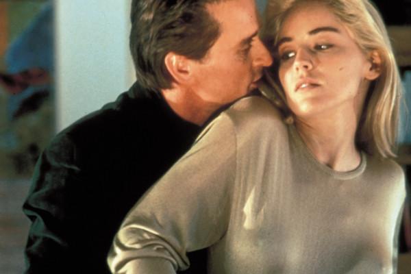 eroticheskie-kadri-iz-filma-osnovnoy-instinkt