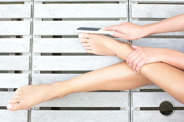 Сексуальные женские ножки в домашних условиях