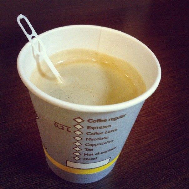 какой стороной ложат одноразовую ложку в кофе лев женщина лев: