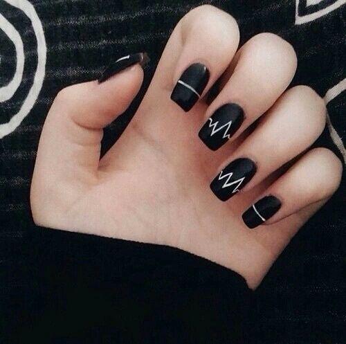 Черно белые красивые ногтей