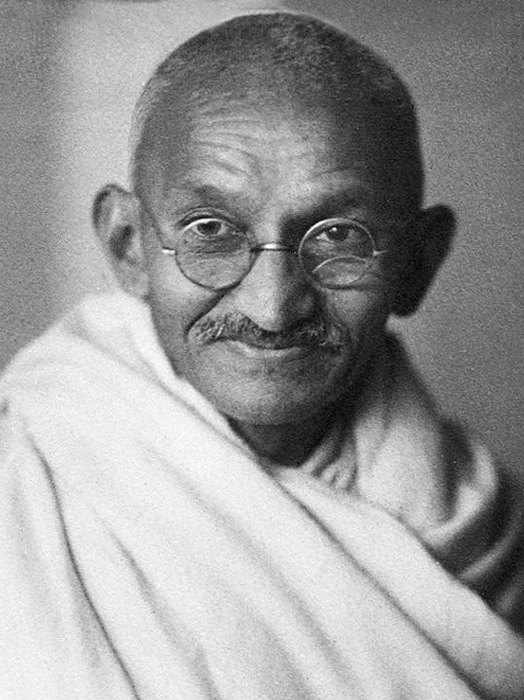 a biography of mahatma gandhi an indian civil rights activist