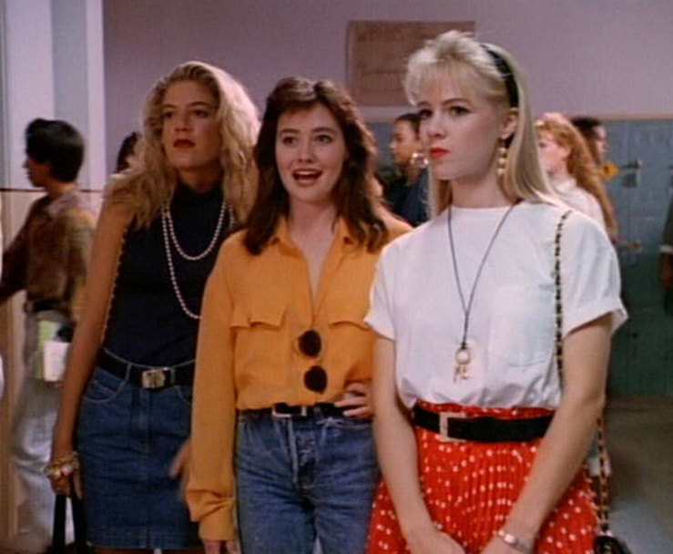 the american culture in the show beverly hills 90210 As a kid growing up in the '90s, beverly hills 90210 basically informed my beingi didn't understand it fully (i was only five years old when the show debuted), but i knew my all-important basics: to be blond and named kelly was a good thing, to be brunette automatically meant you were misunderstood.